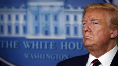 Hat sich zum «Kriegspräsidenten» erklärt und zum Kampf «gegen einen unsichtbaren Feind» aufgerufen: US-Präsident Donald Trump.
