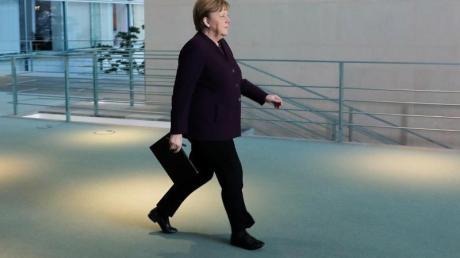 Bundeskanzlerin Angela Merkel (CDU) kehrt in das Kanzleramt zurück.