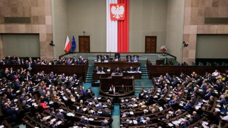 Blick in das polnische Parlament in Warschau.