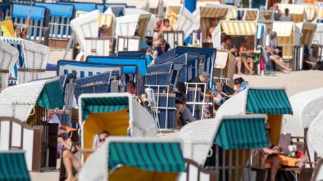 Bessere Zeiten: Strandkörbe im Seebad Ahlbeck auf Usedom.