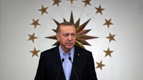 Der türkische Staatschef Recep Tayyip Erdogan hat die Unruhen in den USA kritisiert, während im eigenen Land die Polizei zeitweise ähnlich gewaltsam vorgeht.