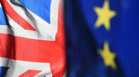 Bisher lehnt Großbritannien einen Brexit-Aufschub wegen der Corona-Krise ab.
