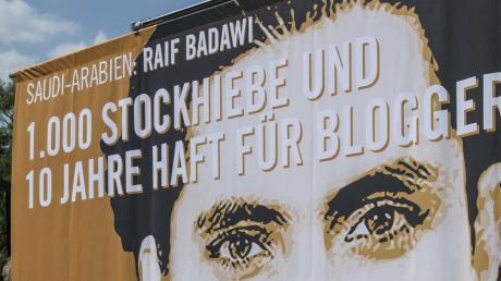 Opfer der Prügelstrafe: Solidaritätsaktion für Blogger Raif Badawi.