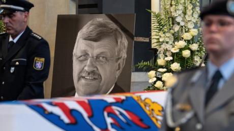 Im Mordfall Lübcke hat der Generalbundesanwalt Anklage gegen den Hauptverdächtigen Stephan E. und dessen mutmaßlichen Unterstützer Markus H. erhoben.