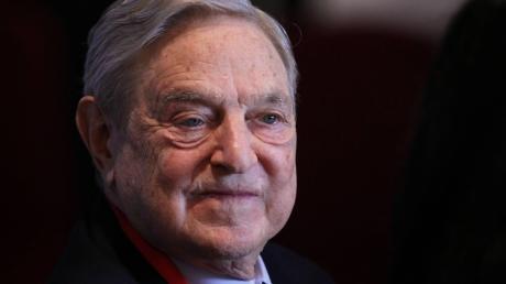 Star-Investor George Soros wirft dem Bundesverfassungsgericht eine Spaltung Europas vor.