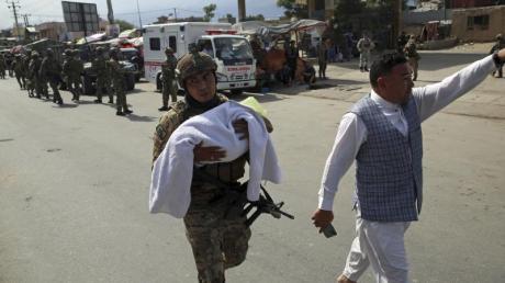 Nach dem Angriff auf eine Entbindungsklinik im westlichen Teil Kabuls.
