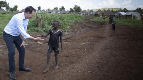 Entwicklungsminister Gerd Müller im Flüchtlingscamp Nguenyyiel in Äthiopien.