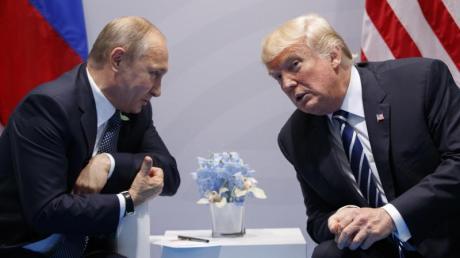 Wladimir Putin und Donald Trump 2017 während des G20-Gipfels in Hamburg.