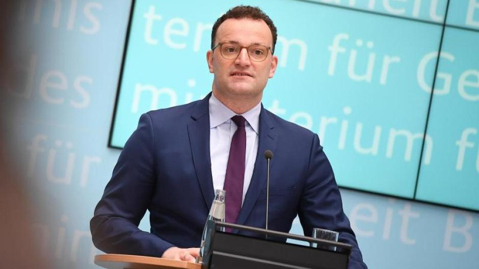 Gesundheitsminister Spahn hat angekündigt, dass Rückkehrer aus Risikoländern ab Samstag einen Corona-Test machen müssen.