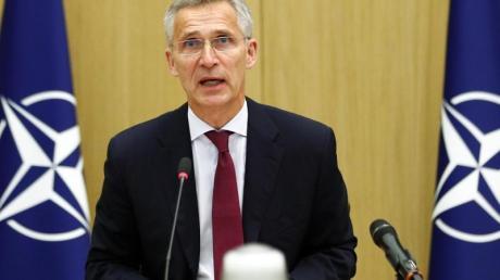 Nato-Generalsekretär Jens Stoltenberg spricht bei der Videokonferenz mit den Verteidigungsministern der Partnerstaaten.