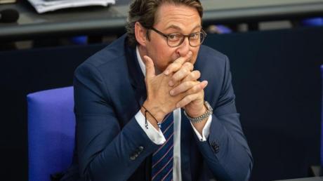 Verkehrsminister Andreas Scheuer steht unter Druck, weil er die Verträge zur Kontrolle und Erhebung der Maut Ende 2018 abschloss, bevor Rechtssicherheit bestand.