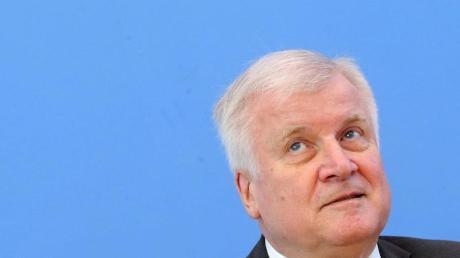 Hat die rechtsextremistische Vereinigung «Nordadler» verboten: Innenminister Seehofer.