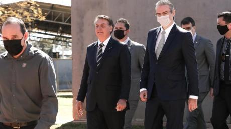 Jair Bolsonaro, Präsident von Brasilien, nimmt an einer Veranstaltung in Brasilia ohne Schutzmaske teil.