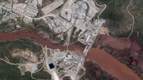 Ein Satellitenbild zeigt den Staudamm am Blauen Nil.
