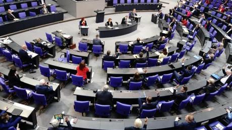 """Mit einer Wahlrechtsreform soll ein weiteres """"Aufblähen"""" des Bundestags verhindert werden."""