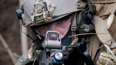 Perfekt ausgebildet für spezielle Kampfeinsätze, aber nicht immer verfassungstreu. Das KSK wird reformiert.