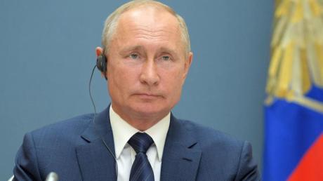 Die Operation Machterhalt für Kremlchef Wladimir Putin hat erwartungsgemäß ihre letzte Hürde genommen. Für die neue Verfassung stimmte eine große Mehrheit der Russen.