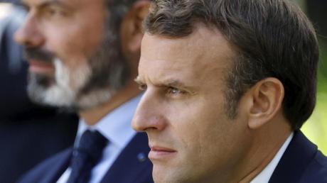 Emmanuel Macron, Präsident von Frankreich, und Edouard Philippe (links), Premierminister von Frankreich.
