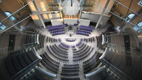 Ohne Reform könnte nach der nächsten Bundestagswahl im kommenden Jahr die Zahl der Abgeordneten auf rund 800 steigen.