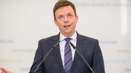 Saarlands Ministerpräsident Hans (CDU) warnt die guten Umfragewerte zu zerreden.