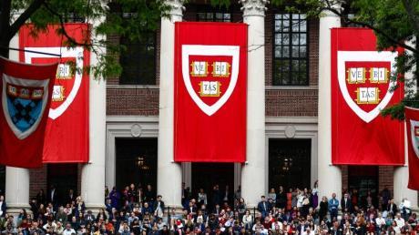 US-Eliteuniversität Harvard in Cambridge, Massachusetts. Viele deutsche Studenten in den USA sorgen sich nach der Ankündigung der US-Einwanderungsbehörde ICE um ihre Zukunft.