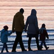 Die Regierung will Familien in Deutschland stärker unterstützen.