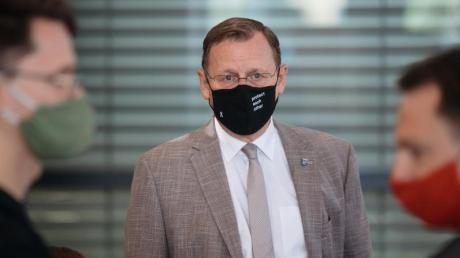 Thürings Ministerpräsident Bodo Ramelow (Mitte) hat dem AfD-Abgeordneten Stefan Möller im Landtag den Mittelfinger gezeigt.