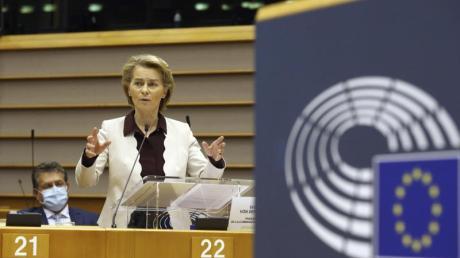 Kommissionspräsidentin Ursula von der Leyen äußert sich im Europäischen Parlament. Von der Leyen verteidigte die Beschlüsse des.