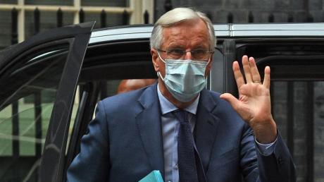 Der Chefunterhändler der Europäischen Union für den Brexit, Michel Barnier, trifft in der 10 Downing Street ein.