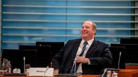 """""""BM Braun"""" – der Bundesminister im Kanzleramt steuert zusammen mit der Kanzlerin die deutsche Politik."""