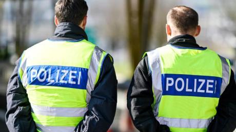 Zwischen Montag, 13. Juli und Freitag 24. Juli stemmten unbekannte Täter laut Polizei beim Maibergweg in Klingen die Türe einer Waldhütte auf.