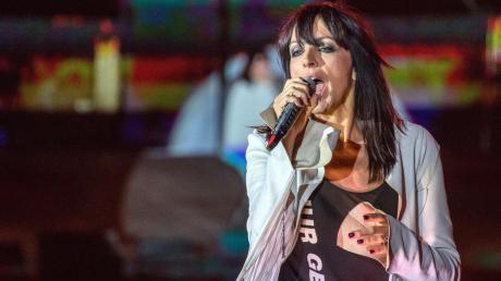 Nena wird unter speziellen Corona-Bedingungen wieder vor einem Live-Publikum in einer Arena auftreten.