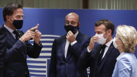 Die EU-Staaten hatten sich erst vorige Woche im Kampf gegen die Corona-Wirtschaftskrise auf das größte Haushalts- und Finanzpaket ihrer Geschichte geeinigt. Nun werden harte Verhandlungen im Parlament erwartet.
