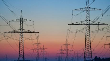 Im Zuge der Energiewende müssen noch Tausende Kilometer Leitungen neu gebaut oder umgebaut werden.