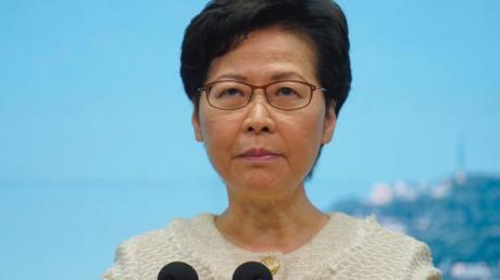 Carrie Lam, Regierungschefin der chinesischen Sonderverwaltungszone Hongkong, bei einer Pressekonferenz.
