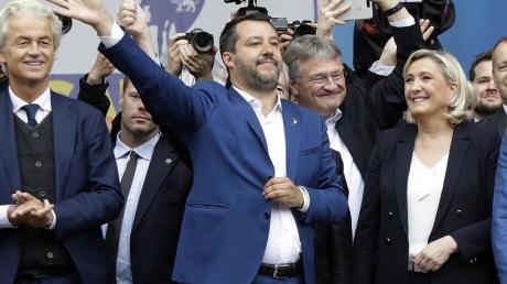 Kundgebung der Allianz nationalistischer Parteien Europas.