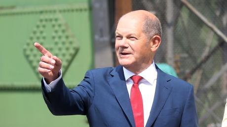Olaf Scholz (SPD), Finanzminister, hat das Rennen um den Parteivorsitz verloren. Nun zieht er doch noch an den beiden Vorsitzenden Walter-Borjans und Esken vorbei.