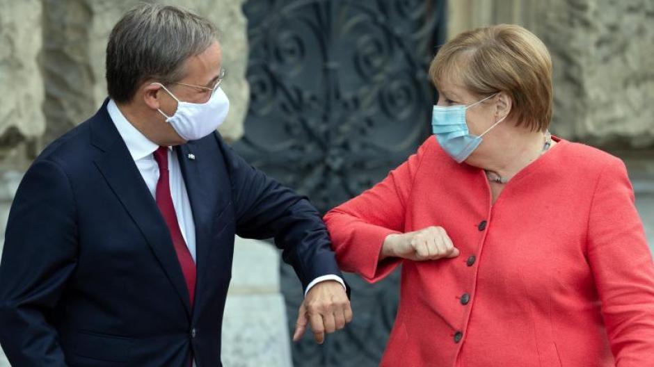 Besuch Des Landeskabinetts Merkel Laschet Hat Wichtiges Rustzeug Fur Cdu Vorsitz Augsburger Allgemeine