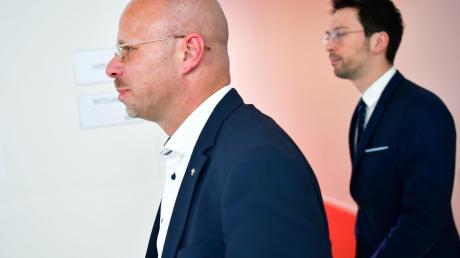 Verkettung unglücklicher Umstände oder Körperverletzung? Andreas Kalbitz (links) hat seinem Stellvertreter Dennis Hohloch einen Milzriss zugefügt.