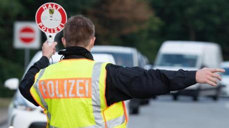Bei einer allgemeinen Verkehrskontrolle in Schrobenhausen hat die Polizei einen 59-jährigen Pfaffenhofener erwischt, der ohne Führerschein unterwegs war.