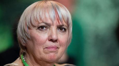 Die Grünen um Claudia Roth sehen ihre eigene Position nach der Wahl von Armin Laschet zum neuen CDU-Parteivorsitzenden gestärkt.