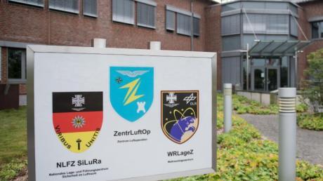 In Uedem eröffnet die Bundeswehr ein neues Weltraumoperationszentrum.