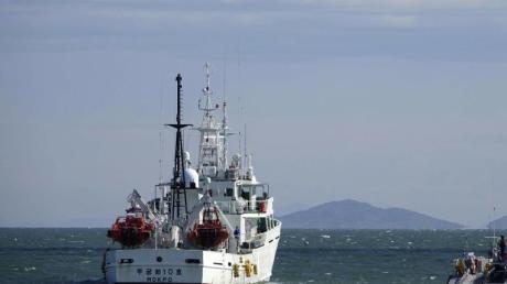 Südkoreas Regierungsschiffe patrouillieren nahe der südkoreanischen Insel Yeonpyeong.