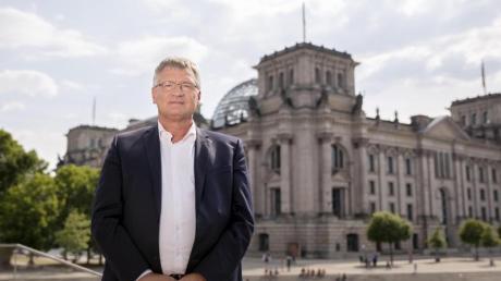 AfD-Chef Jörg Meuthen vor dem Reichstagsgebäude in Berlin. Meuthen will im kommenden Jahr nicht für den Bundestag kandidieren.