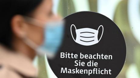 Im Landkreis Aichach-Friedberg herrscht ein erhöhtes Infektionsgeschehen. Nun gelten neue Regelungen.
