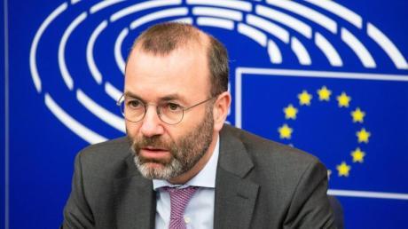 Der CSU-Europaabgeordnete Manfred Weber bezeichnete die britische Drohung mit dem Abbruch der Verhandlungen als «politisches Theater».