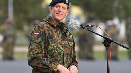Anastasia Biefang war die erste transsexuelle Kommandeurin bei der Bundeswehr. Jetzt wechselt sie als Referatsleiterin nach Berlin.