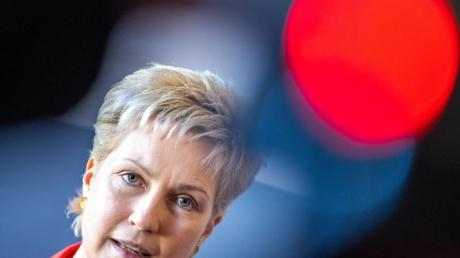Ministerpräsidentin Manuela Schwesig kündigt an:Touristen müssen Mecklenburg-Vorpommern verlassen.