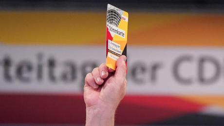 Die CDU sucht nach einer Lösung, ihren Parteitag Mitte Januar digital abzuhalten. Doch ist eine Online-Wahl überhaupt mit der Verfassung vereinbar?