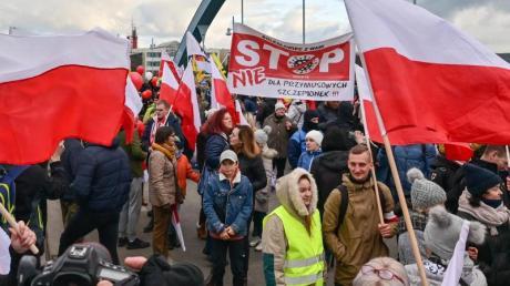 Die erste länderübergreifende Demonstration gegen die Corona-Maßnahmen führte aus Polen nach Frankfurt an der Oder.